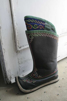Boot with fancy embroidered tops