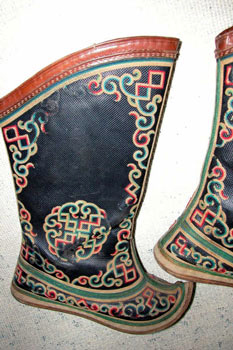 Mongolian Boots - significance of ornaments
